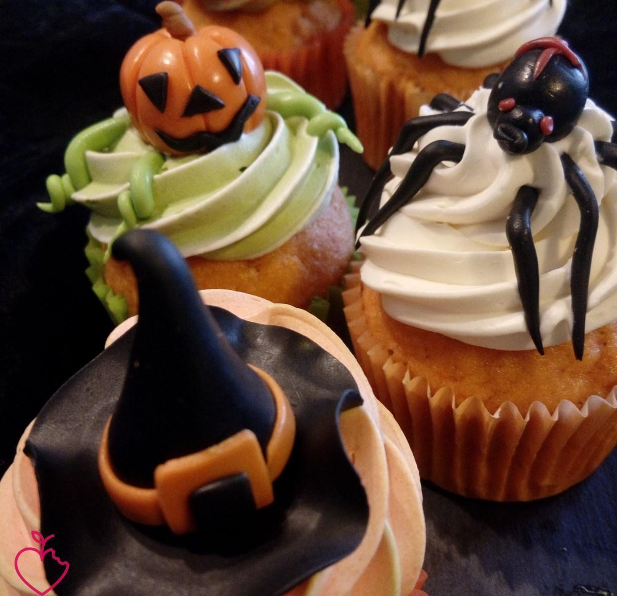 Halloween funny cupcakes